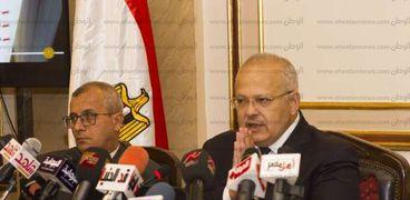 مؤتمر صحفي لرئيس جامعة القاهرة