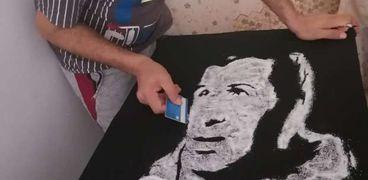 شيف يرسم الفنان الراحل محمود رضا بالملح