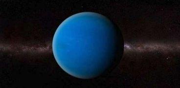 ناسا تبحث عن عالم صالح للحياة في قمر نبتون الغامض من خلال رحلات مخفضة