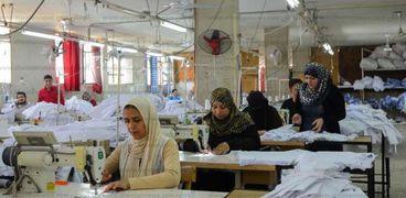 الهموم تحاصر المرأة العاملة مع اقتراب بدي العام الدراسي