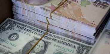 سعر الليرة التركية مقابل الدولار تراجع إلى مستويات قياسية