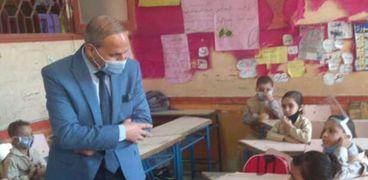 غرفة مجهزة في كل مدرسة لمواجهة أي طوارئ صحية بالفيوم