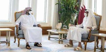 أمير قطر تميم بن حمد بن خليفة آل ثاني والشيخ طحنون بن زايد آل نهيان