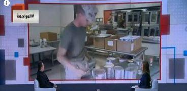 الخشاب يستعرض فيديو لعسكري جيش أمريكي يصنع مكرونة