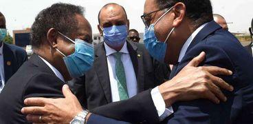 رئيس الوزارء المصري ونظيره السوداني