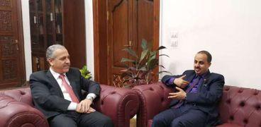 رئيس الوطنية للصحافة يبحث مع وزير الإعلام اليمني بروتوكول تدريب مشترك