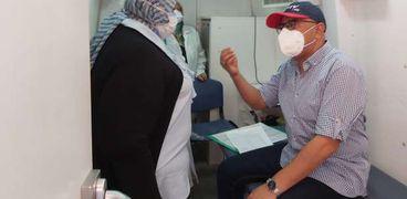 الكشف والعلاج المجاني لـ1385 مواطنا بقرية في بني سويف