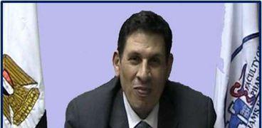 نائب رئيس جامعة عين شمس لشئون الدراسات العليا