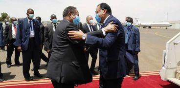 رئيس الوزراء المصري مصطفى مدبولي ونظيره السوداني عبدالله حمدوك