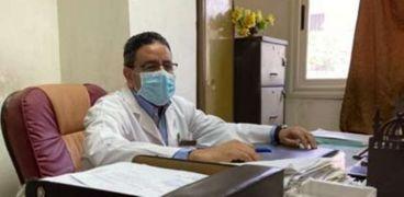 الدكتور عمرو مصطفي