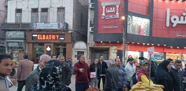 بالصور:رئيس المحلة: خطه عاجله لإخلاء ميدان المحطة من الباعة الجائلين