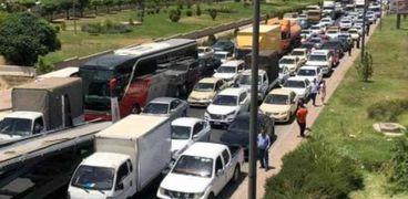 تكدس السيارات في السليمانية بسبب ازمة الوقود