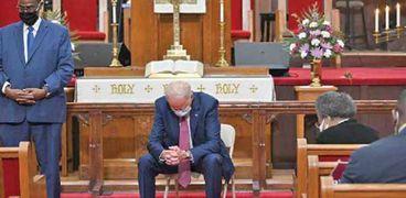 الرئيس الأمريكي جو بايدن في الكنيسة