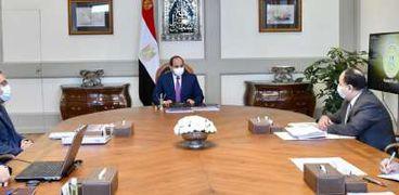 السيسي يجتمع برئيس الوزراء