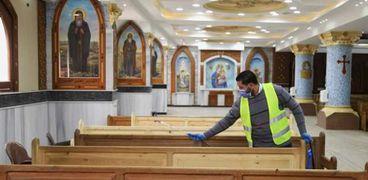 الكنائس للكهنة فقط في أحد السعف