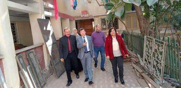 سكرتير عام محافظة دمياط يتابع تطورات تجديد مؤسسة البنات ويشدد على