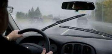 قيادة السيارة وقت هطول الأمطار_أشيفية