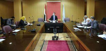 نائب محافظ كفر الشيخ يتابع سبل تنمية المشروعات الصغيرة والمتوسطة