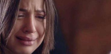 منى فاروق تعلن نيتها الانتحار في فيديو لايف