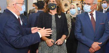 وزير الهجرة تفتتح مصنع لإنتاج الواح الالومنيوم بالسويس