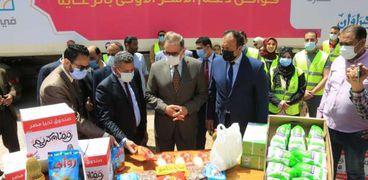 محافظ كفر الشيخ يستقبل القافلة الغذائية ضمن مبادرة «أبواب الخير»