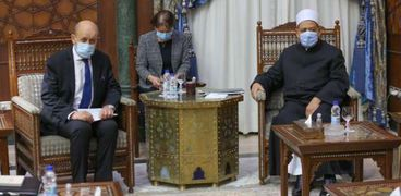 شيخ الأزهر مع وزير خارجية فرنسا