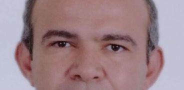 الدكتور أحمد شريف