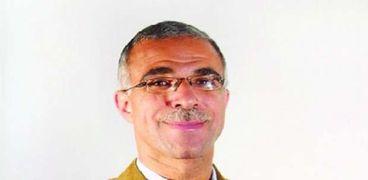 الدكتور أحمد فؤاد أنور، أستاذ اللغة العبرية