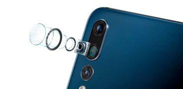 المكونات الرئيسية لعدسة كاميرا الهاتف المحمول