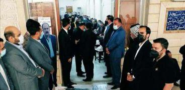 مشهد إهانة صدام حسين في عزاء قاضيه العريبي