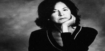 الشاعرة الأمريكية لويز جلوك