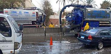 إجراءات الشركة القابضة لمياه الشرب والصرف الصحى لسحب تجمعات مياه الأمطار