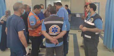 جانب من متابعة علاج حالات حادث أتوبيس بمستشفى الضبعة