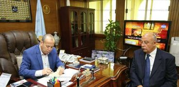 محافظ كفرالشيخ يتابع مشروع تركيب الكاميرات وغرف التحكم بالعاصمة