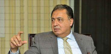 الدكتور أحمد عماد وزير الصحة والسكان