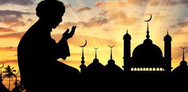 أوصى بها النبي.. 4 كلمات رددها لزيادة الرزق وقبول الدعاء «فيديو»