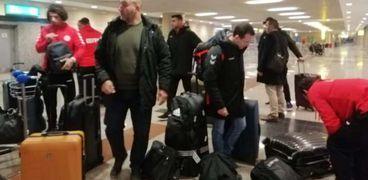 بعثة المنتخب الوطني لكرة اليد تصل مطار القاهرة استعدادا للمغادرة إلى تونس للمشاركة فى كأس أمم إفريقيا