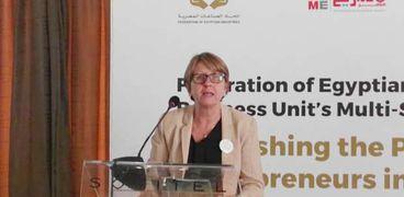 سفيرة فنلندا بالقاهرة لورا كانسيكاس ديبرايس