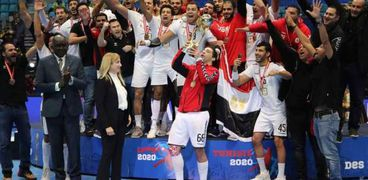 اداء منتخبنا الوطني لكرة اليد شرف مصر أمام العالم كله