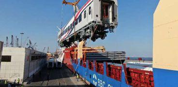 وصول عربات القطارات الروسية ميناء الإسكندرية - صورة أرشيفية