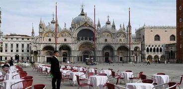 تأثير فيروس كورونا على المطاعم في إيطاليا