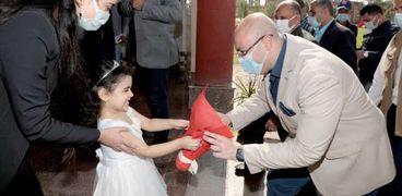 محافظ بني سويف يتفقد فصول المدرسة المصرية اليابانية