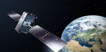3 دول تطلق أقمار صناعية إلى الفضاء من بينها دولتان عربيتان