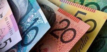 استقرار أسعار الدولار وتباين في سعر العملات الأخري