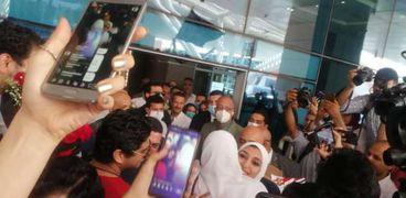 استقبال أحد أعضاء البعثة الأولمبية المصرية في مطار القاهرة