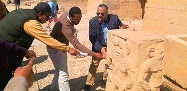 الأمين العام للمجلس الأعلى للآثار الدكتور مصطفى وزيري يتفقد معبد دندرة
