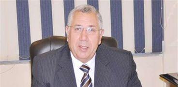 الدكتور السيد القصير .. وزير الزراعة