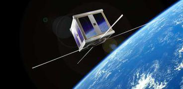 الغلاف الجوي للإمارات قد يشهد اختراق بقايا قمر صناعي خلال 48 ساعة