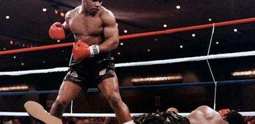 بطل الملاكمة مايك تايسون