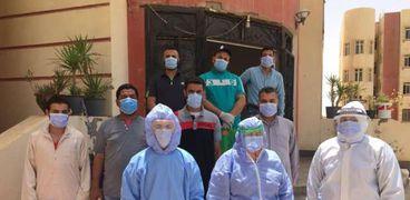 خروج وتعافي ٩ من مصابي كورونا من عزل المدينة الجامعية في بني سويف